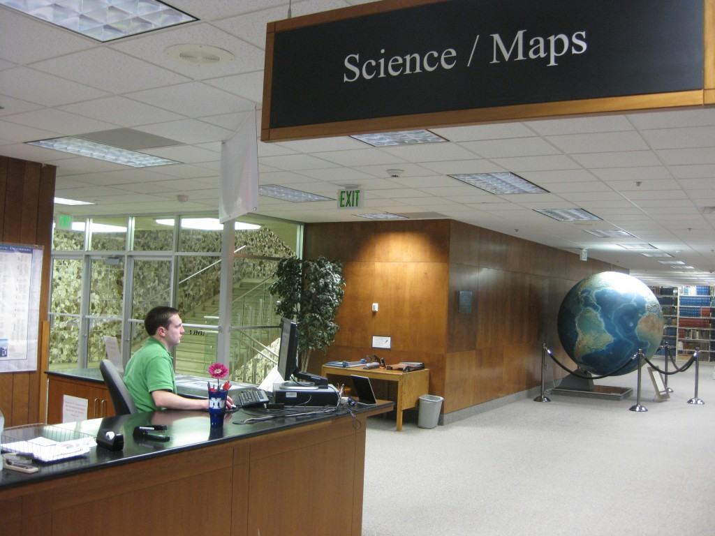 Picture of Science/Maps Reference Desk